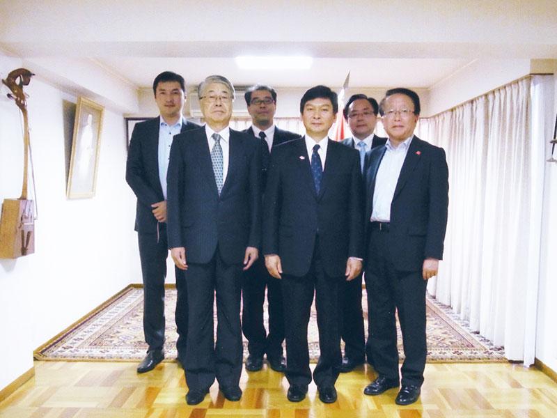 ジクジット特命全権大使の離任で森新潟県副知事と挨拶に伺う