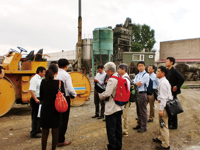 UB市道路排水事業でのヤルグーサン社における製造指導
