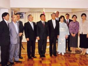 認証式を終えて出席による記念写真(2007.7)