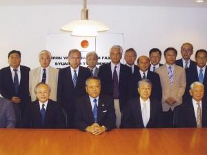 新潟県ミッションで市橋特命全権大使を囲んで(2007.8)