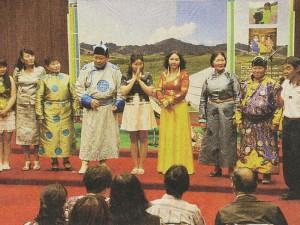 上記の「岩室」での公演(新潟日報より)(2012.6)
